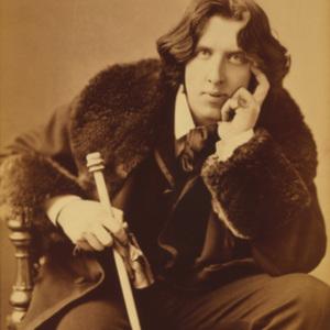 Oscar_Wilde_portrait_by_Napoleon_Sarony_-_albumen.jpg