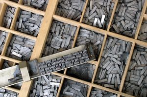 Metal_movable_type.jpg